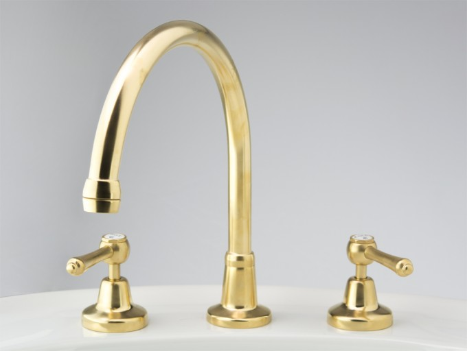 Photo: RL4718 in Dull Antique Brass (DAB) finish