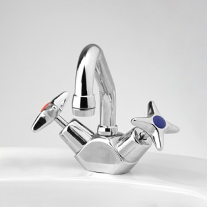 Bellevue Basin Duo Mixer with Swivel Upswept Outlet