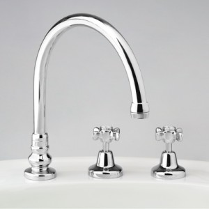 Heritage Hostess Sink Set with Swivel Gooseneck Outlet
