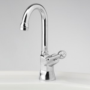 Roulette Lever Drinking Water Pillar Tap with Swivel Gooseneck Outlet