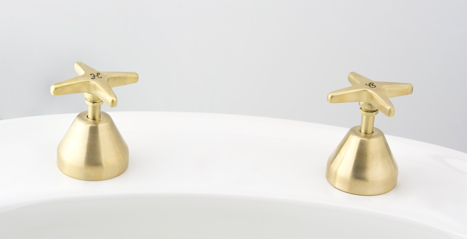 CB Ideal Seaview Basin / Vanity Top Assembly in Lea Wheeled Brass