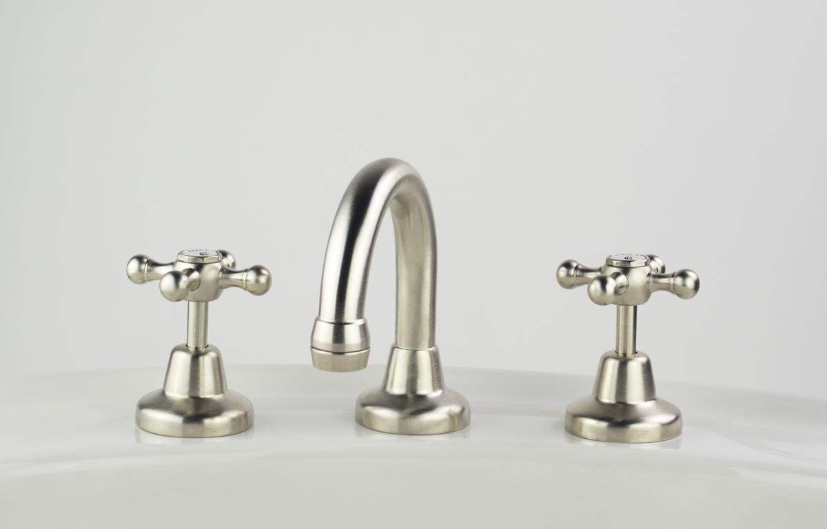 Roulette Basin Set with Fixed Gooseneck Outlet in Brushed Nickel Plate Finish