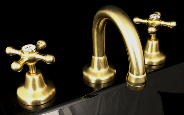 RU4011BAB Roulette Basin Set with Fixed Gooseneck Outlet in Brushed Antique Brass Finish