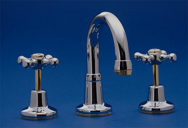 RU4012CA Roulette Basin Set with Swivel Gooseneck Outlet in Chrome with Gold (AB) Trim Finish