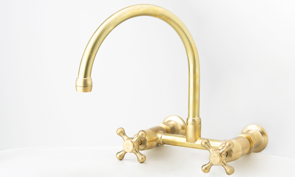 Roulette Exposed Wall Sink Set with Straight Breech in Lea Wheeled Brass with Engraved Buttons